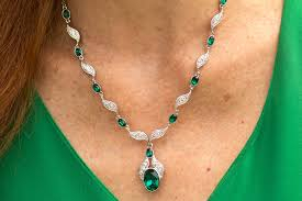 emerald green fashion necklace images Turning heads linkup greenery uno alla volta emerald green jpg