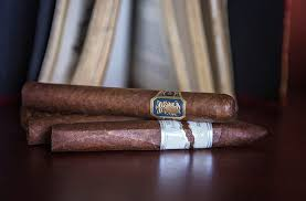 salami of the month club cigar of the month club the 1 cigar club with free shipping