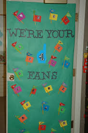 backyards crafty sisters teacher appreciation door decorations
