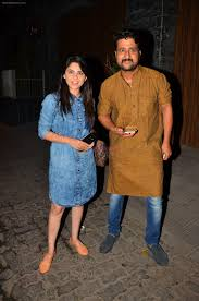 sonalee kulkarni at aamir khan u0027s party in home on 29th march 2016