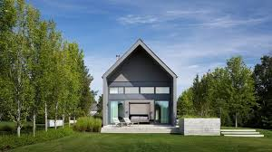 architecture homes ontario holiday home by scott posno takes cues from indigenous