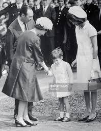 queen elizabeth ii shaking hands with jfk jr pictures getty images