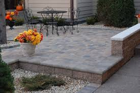 Building A Raised Patio With Retaining Wall by Raised Paver Patios And Walks