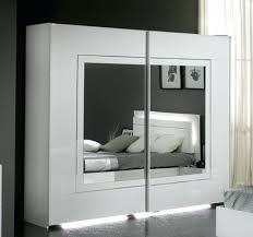 armoires de chambre armoire chambre gorgeous armoires portes coulissantes city laque