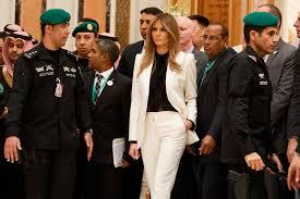 Queen Elizabeth Donald Trump Melania Trump No Visit With Queen If Trump Cancels Uk Trip