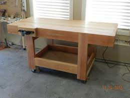 Plans For Building A Woodworking Workbench by How To Build A Diy Workbench Dowelmax