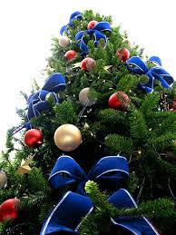 Christmas Tree Decorations In Blue And Silver by 40 Color Combination Ideas For Christmas Tree Decoration