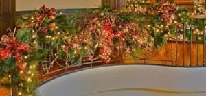 How To Decorate Banister With Garland How To Decorate Your Staircase With A Golden Splendor Christmas