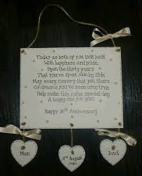 30th wedding anniversary gifts 25 beste ideeën pearl wedding anniversary gifts op