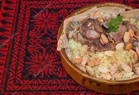 cuisine jordanienne cuisine traditionnelle jordanienne mansaf photographie waleedoz