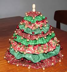 make a miniature christmas tree