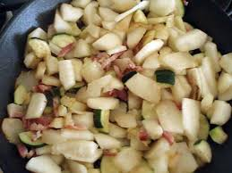 cuisiner du patisson recette de poelée patisson courgette