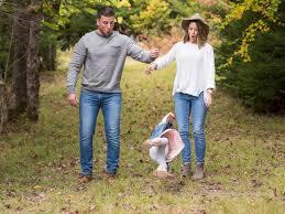 family photo shoot fail gets lots of laughs on social media abc news