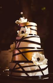 wedding cake chelsea modern ivory and gold floral cake photographer chelsea