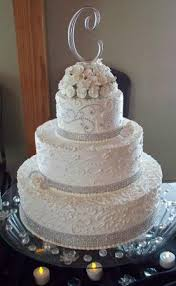 wedding cakes with bling bling ribbons and cake sparkles a true princess style wedding
