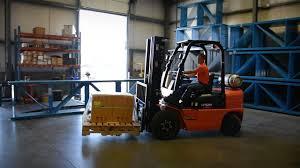 utilev u2013 the right forklift for the job u2013 logistics videos u2013 dcv