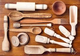 ensemble de cuisine en bois ensemble des ustensiles de cuisine en bois sur fond de bois
