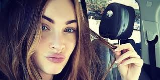 Gntm Schlafzimmerblick Megan Fox Perfects The Selfie Celebrity Beauty Pinterest