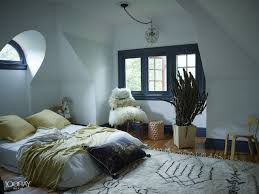 Grey Themed Bedroom by Winter Bedroom Decor Diy Wooden Varnish Glass Windows Grey Fabric