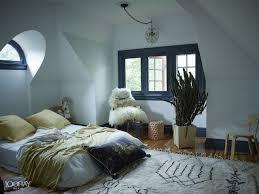 Grey Themed Bedroom by Winter Bedroom Decor Diy Wooden Varnish Glass Windows Grey Fabric
