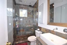 mid century modern bathroom mirror with white wastafel and mirror
