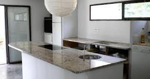 plaque granit cuisine 04 ilot granit shivakashi plaque cuisson a fleur marbre et plaque de