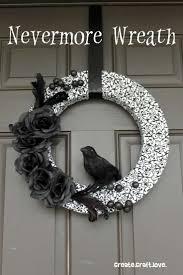 Scary Halloween Wreaths 20 Spooky Halloween Wreath Ideas