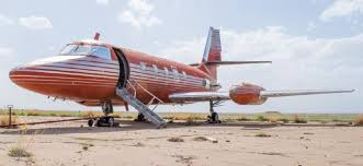 elvis plane elvis presley s private jet is for sale at a very reasonable price