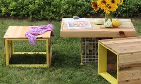 Patio Furniture Out Of Wood Pallets by 15 Pallet Coffee Tables That Look Way Too Good To Be Diy Hometalk