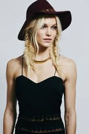 what hairstyle to wear for women when youre bald 5 gorgeous 5 minute hairstyles you can wear under a hat boho