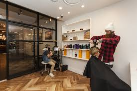 how to find a hair salon in a crowded market business