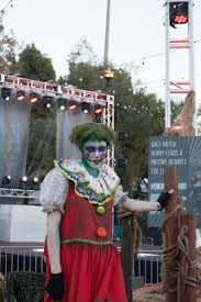 scare zones halloween horror nights queen mary u2013 scare zone