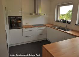 plan de travail cuisine blanc brillant cuisine finition blanc brillant plan de travail hêtre massif