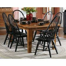 Attic Heirlooms Dining Room Set F - Broyhill dining room set