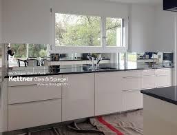 spritzschutz küche die besten 25 küche rückwände aus glas ideen auf