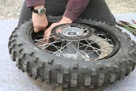 chambre à air pour glisser demontage remontage d un pneu avec chambre a air en moins de 3 mn