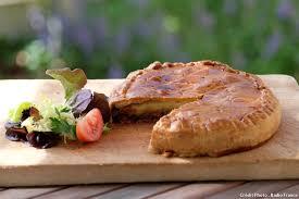 spécialité cuisine la tourte mayennaise naissance d une spécialité régionale