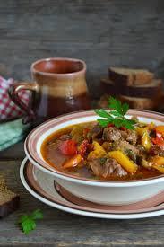 cuisiner un jarret de veau recette jarret de veau épicé aux échalotes confites