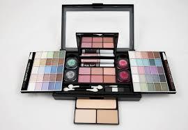 Warna Eyeshadow Wardah Yang Bagus 10 merk eyeshadow yang bagus dan bisa membuatmu cantik lebih lama