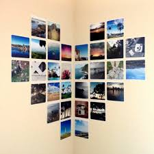 vorschläge für wandgestaltung ein herz aus fotos auf zwei wänden gestalten vorschläge für