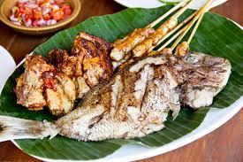 cuisine indonesienne cuisine indonésienne poissons frits brochettes de poulet de
