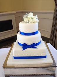 pix for u003e royal blue and white wedding cakes wedding cakes