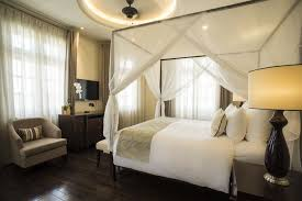 Bed Song Luxury Hotel Suite With Balcony Riverview Villa Song Saigon Hotel
