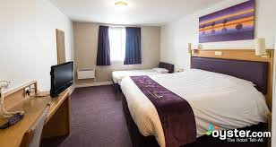 Premier Inn Glasgow Cambuslang M Jct  Oystercom - Family rooms glasgow