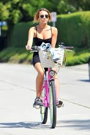 miley cyrus 68 wallpapers 447 best miley cyrus images on pinterest hannah montana miley
