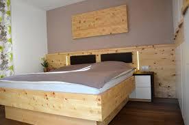Schlafzimmer Zirbe Leben Auf Dem Lande Leindl Möbeldesign