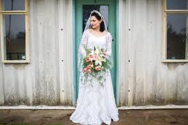 vintage wedding gowns looking for a vintage wedding dress here are 5 things you should