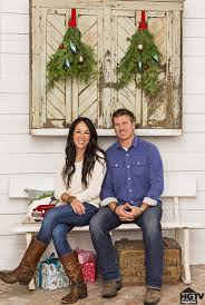 chip and joanna gaines tour schedule hgtv fixer upper hosts holiday home pictures popsugar home