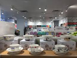 10 yuan variety store miniso opens in vancouver