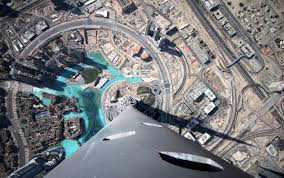 28 dizzying photos from the top of the world u0027s tallest skyscrapers